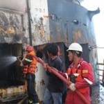 Tin tức Sony - Cận cảnh tàu 25.000 tấn bốc cháy trên biển