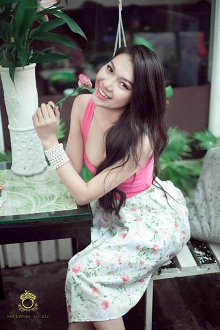 Nữ sinh hot nhất đại học Y khoe dáng - 3