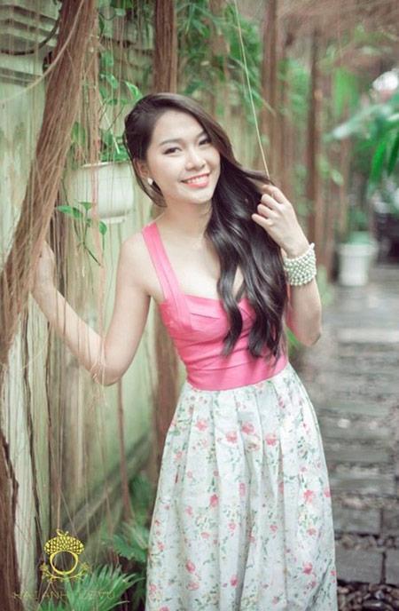 Nữ sinh hot nhất đại học Y khoe dáng - 5
