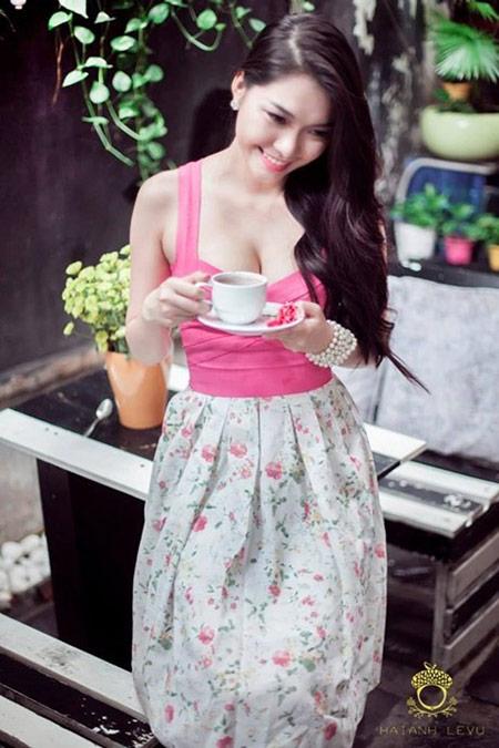 Nữ sinh hot nhất đại học Y khoe dáng - 7