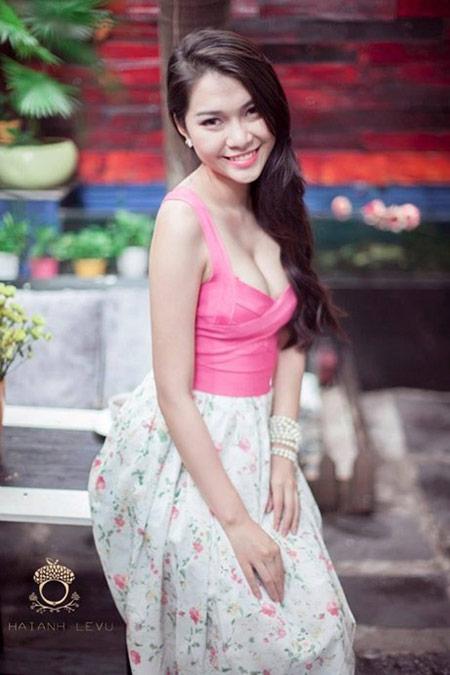 Nữ sinh hot nhất đại học Y khoe dáng - 9