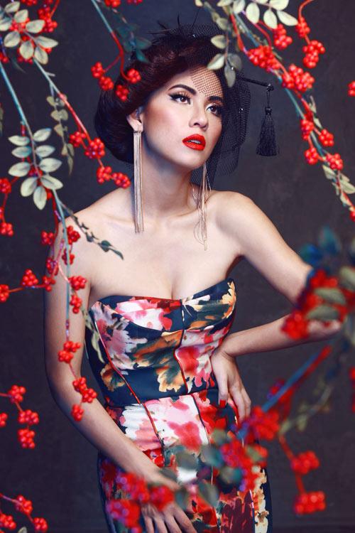 Huyền Ny diện váy cúp ngực đẹp mắt - 2