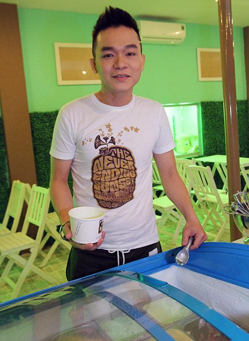"""Hương Giang Idol """"nũng nịu"""" Nathan Lee - 13"""