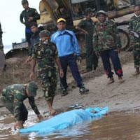 Rơi máy bay Lào: Đòi bồi thường 10 tỉ đồng/người