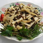 Ẩm thực - Lên Tây Giang ăn gỏi tr'đin