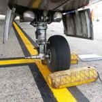 Tin tức trong ngày - Máy bay rơi bánh: Mất 2 bánh vẫn có thể hạ cánh