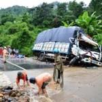 Tin tức trong ngày - Tai nạn xe tải, 4 người chết ngay trên cabin