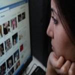Thời trang Hi-tech - Cấm trao đổi việc học trên Facebook