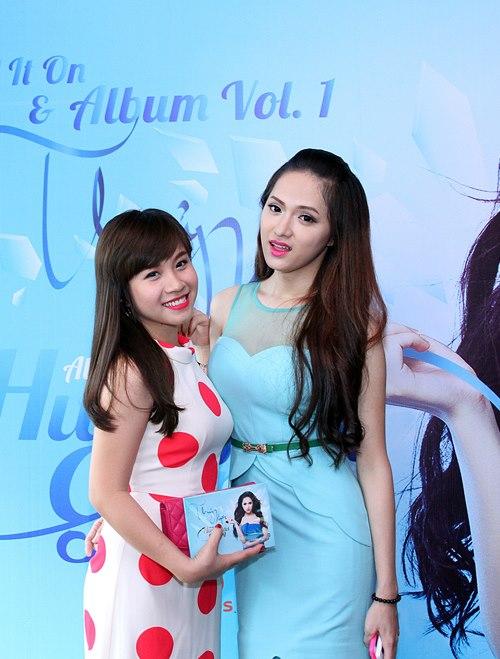Hương Giang Idol bật khóc bên mẹ - 10
