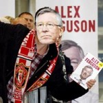 Bóng đá - NHM xếp hàng mua tự truyện Sir Alex