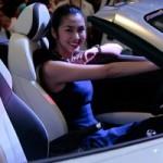 Ô tô - Xe máy - Tăng Thanh Hà cầm lái siêu xe Audi R8 V10 mui trần