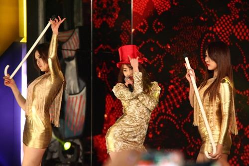 2 thành viên Sistar đã đến Hà Nội - 6