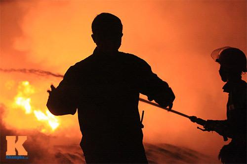 Cháy dữ dội ở Nhà máy Diana Bắc Ninh - 14
