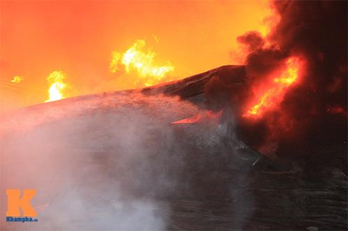 Chùm ảnh: Vật lộn dập lửa tại nhà máy Diana - 11