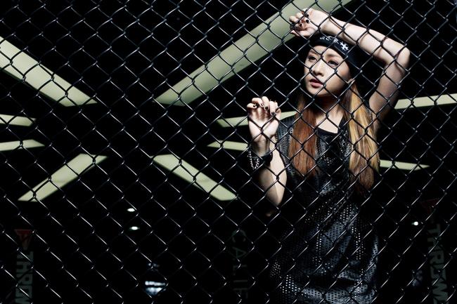 Hotgirl số 1 Hà Thành đang có những bước thay đổi hình ảnh một cách táo bạo
