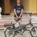An ninh Xã hội - Trói học sinh vào mộ, cướp xe đạp điện