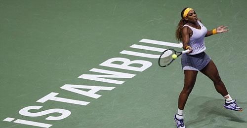 Serena - Jankovic: Sóng gió đầu tiên (BK WTA Championships) - 1