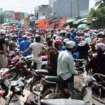 Tin tức trong ngày - Dân vây UBND huyện phản đối khai thác cát