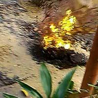 TPHCM: Mặt đường phát nổ, lửa phụt cao 1m