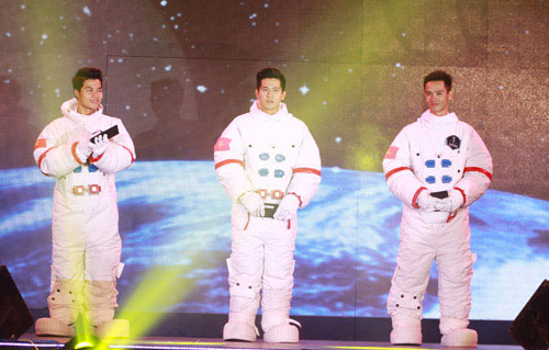 Chàng du học sinh trở thành người Việt thứ 2 bay vào vũ trụ - 7