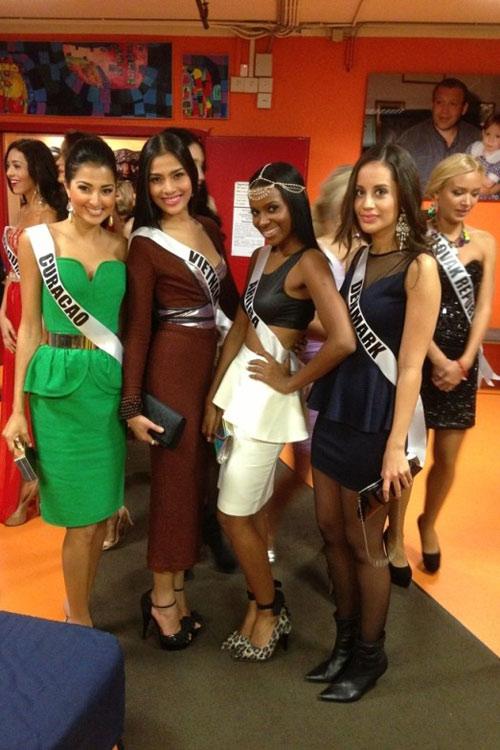 Trương Thị May nổi bật tại Miss Universe - 15