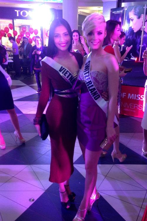 Trương Thị May nổi bật tại Miss Universe - 11