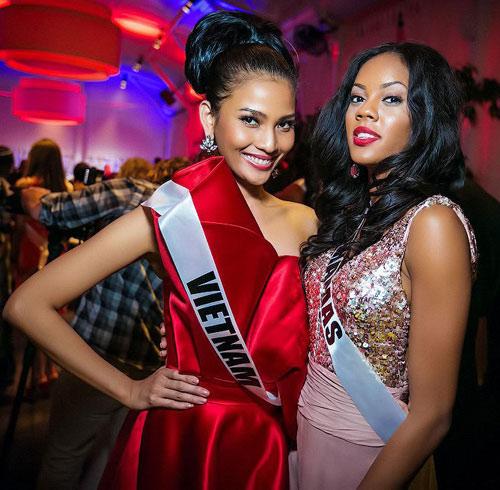Trương Thị May nổi bật tại Miss Universe - 3