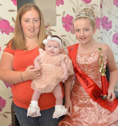 Anh: Bé gái dự thi hoa hậu từ trong bụng mẹ - 1