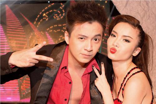 Thủy Tiên hỗ trợ Ngô Kiến Huy làm show - 4
