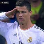 Bóng đá - Ronaldo chào chọc tức Blatter vụ nói móc