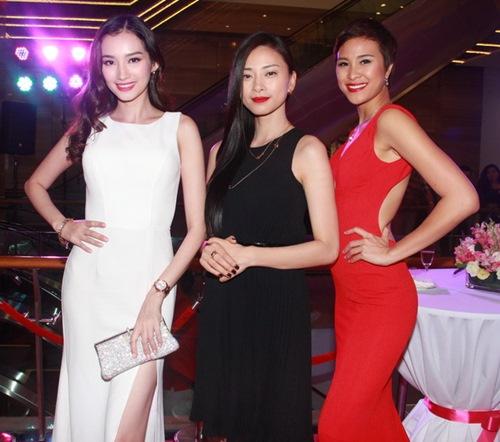 3 mỹ nhân Việt khoe trang sức đắt tiền - 1