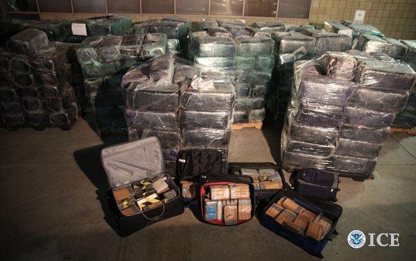 Mỹ: Đánh sập đường hầm chuyển ma túy cực lớn - 1