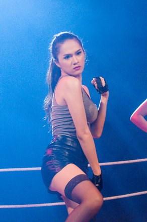 Hương Giang Idol hóa boxing girl gợi cảm - 8
