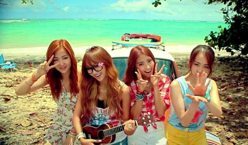 Những MV K-Pop đẹp lung linh trên biển - 10