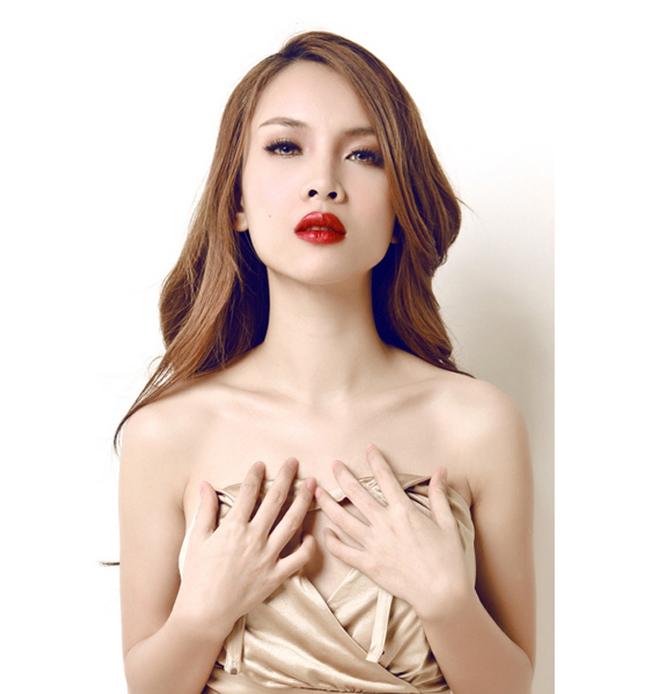 Yen Trang Nude Photos 30