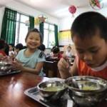 Giáo dục - du học - Bớt miếng ăn của HS: Thừa xô thịt do chia nhầm