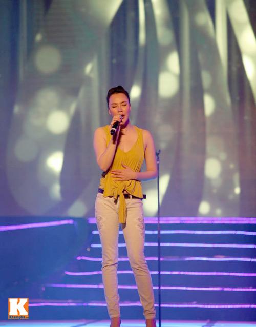 Bằng Kiều ngồi bệt tập hát với Hương Hồ - 5