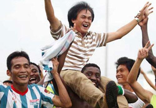 Vấn đề của bóng đá Việt Nam: Chuyên nghiệp từ gốc - 1