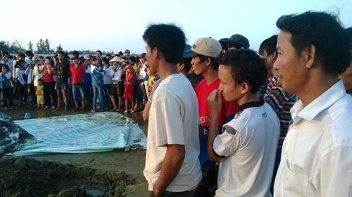 Thanh Hóa: Tổ chức lễ tang cho cá voi khổng lồ - 6