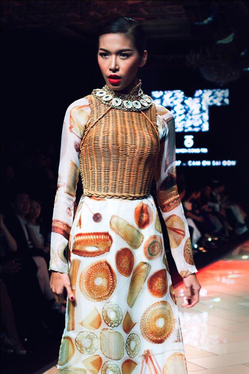 """Thổn thức vì áo dài """"made in Sài Gòn"""" - 14"""