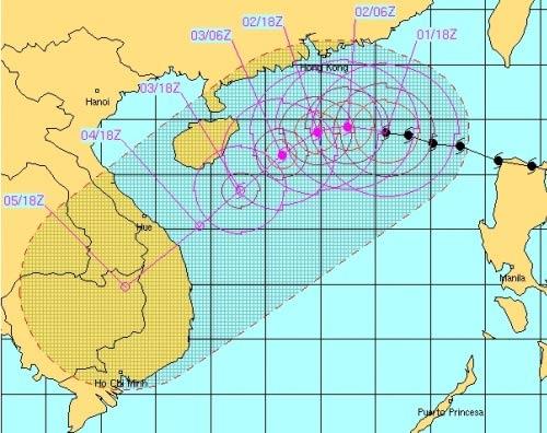 Bão Krosa giật cấp siêu bão, tiến vào miền Trung - 2