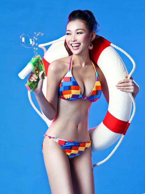 Hoa khôi Bích Khanh đại diện VN thi sắc đẹp quốc tế - 1