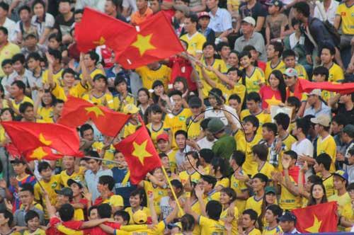 Bị hành hung, fan SLNA tẩy chay BTV Cup - 5