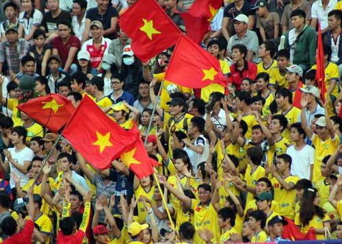 Bị hành hung, fan SLNA tẩy chay BTV Cup - 4