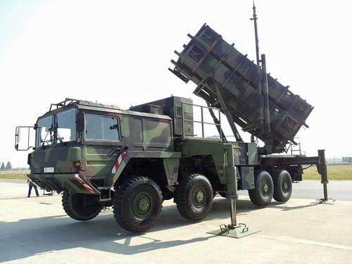 """Hàn Quốc khoe một loạt vũ khí """"khủng"""" - 3"""