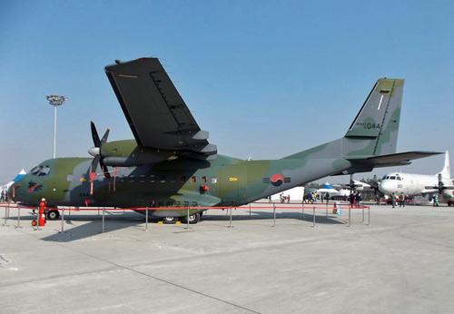 """Hàn Quốc khoe một loạt vũ khí """"khủng"""" - 9"""