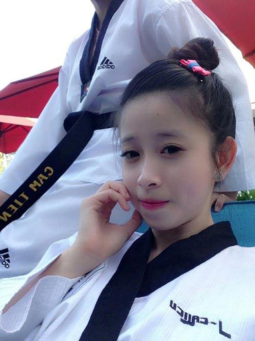 Nhan sắc của hotgirl vô địch taekwondo Châu Tuyết Vân - 5