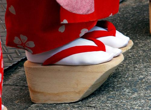 Những đôi giày kỳ quái nhất trên thế giới - 1