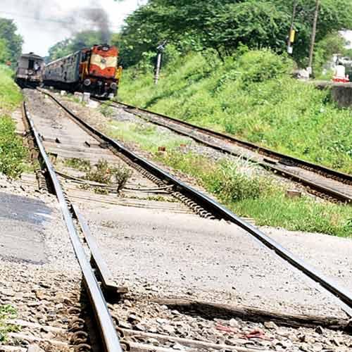 Ấn Độ: 10 người tử nạn trên đường ray vì tin đồn - 1