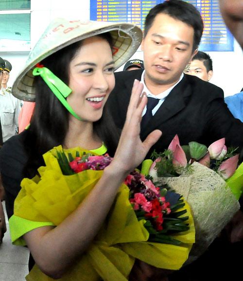 Mỹ nữ đẹp nhất Philippines thân thiện với fan Việt - 8